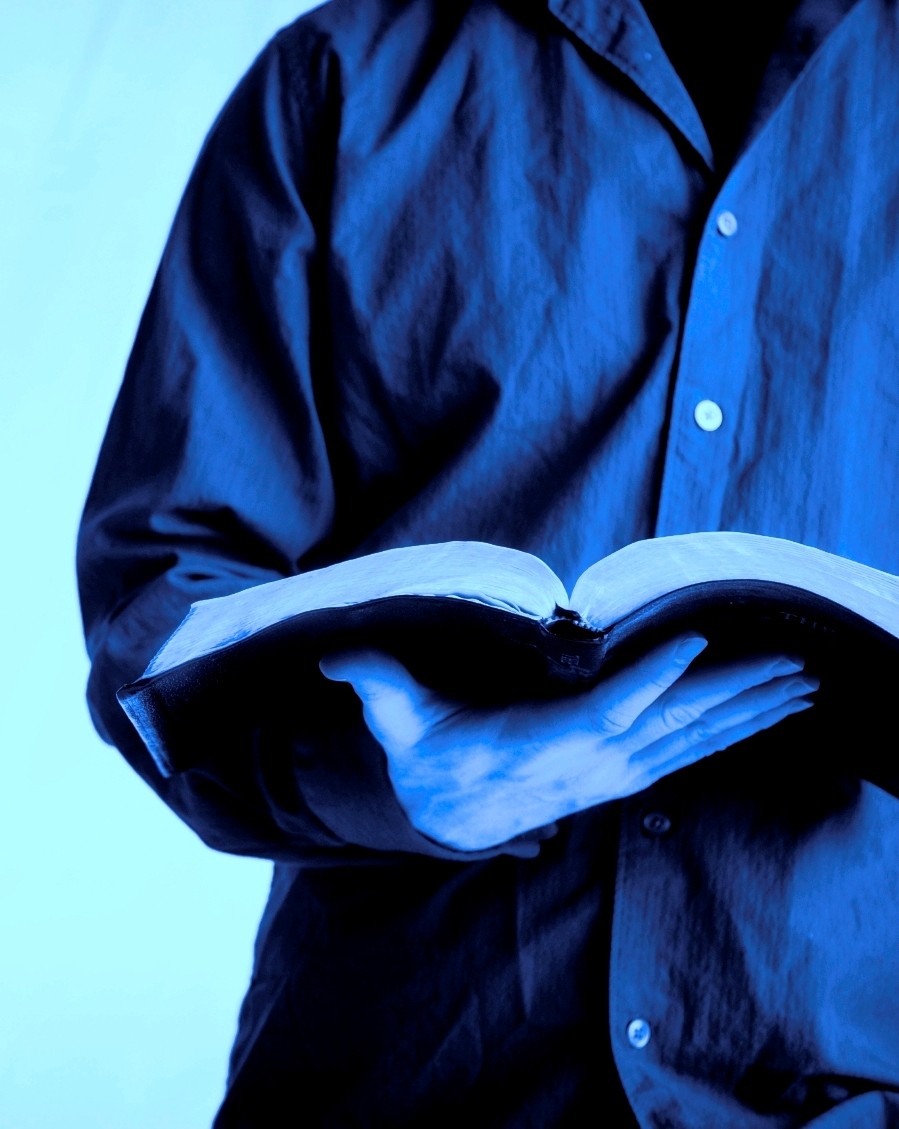 copy-of-reading-bible_blue1.jpg